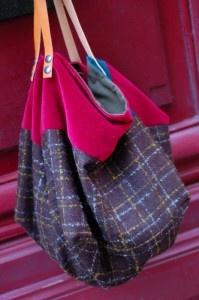 Grand cabas fait main pièce unique En laine écossaise et velours Intérieur en toile kaki avec 2 grandes poches