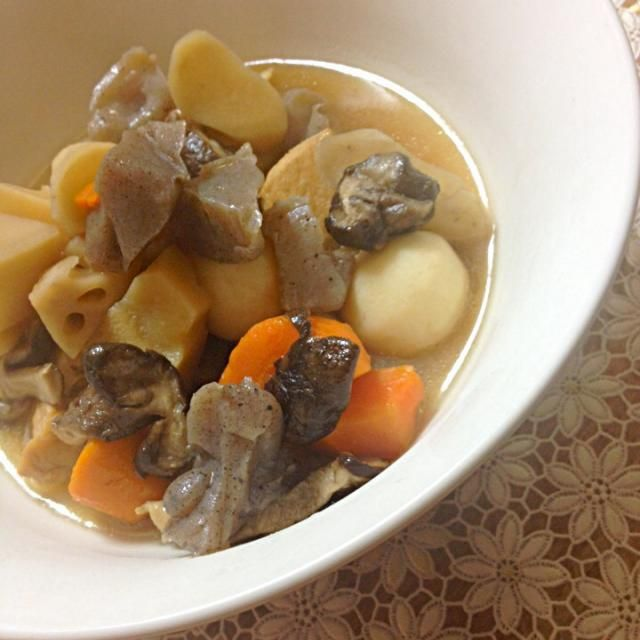 そろそろ根菜料理もいいかな〜 かなり時間がかかります。 冷凍か、水煮が良いかも知れません (。-_-。) - 19件のもぐもぐ - がめ煮〜 by カフェアジアン