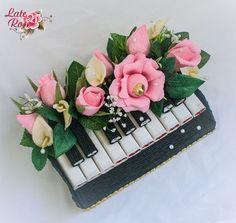 """Персональные подарки ручной работы. Ярмарка Мастеров - ручная работа. Купить Композиция из конфет """"Пианино"""". Handmade. Шоколад, пианино, разноцветный"""