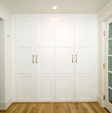 Floor to ceiling closets.  Would love to replace our pantry closet with something like this one day.  So much wasted space at the top.