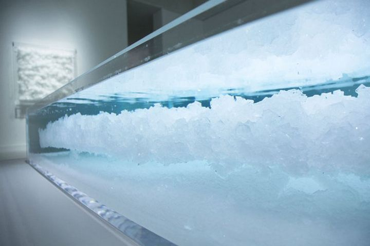 Tonal vibrations crystal installation by Tokujin Yoshioka, Tokyo