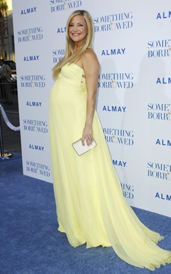 Pregnant Kate Hudson - yellow maternity gown - flowy dress