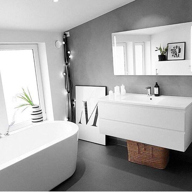 My bathroom...thank you for sharing @isii_bla!❤ One to follow btw!  _____________________________________  #blackandwhite#myhome#bathroom#interior444#interior123#interior4all#vikingbad#fossbad#aspenbad#bathroomdecor#bath#bathtub#interiorandhome#interior#baderom#badtilinspirasjon#rorkjop#baderomsinspirasjon#baderomsinspo#lykkeliteninspo#mittbademiljø#middleweekinspiration @homeby_anja#inspire#instahome#inspotoyourhome
