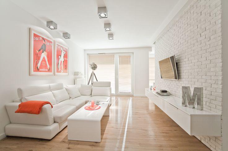 Galeria nad sofą, czyli co na ścianę w salonie