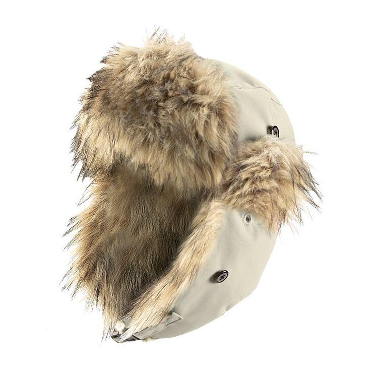 Das coole Original: warm wattierte, winddichte und wasserabweisende Mütze mit Kunstfellbesatz an Stirn, Ohrenklappen und Nacken. Diese Mütze rundet das Winter Outfot ab und gibt es bei globetrotter.de