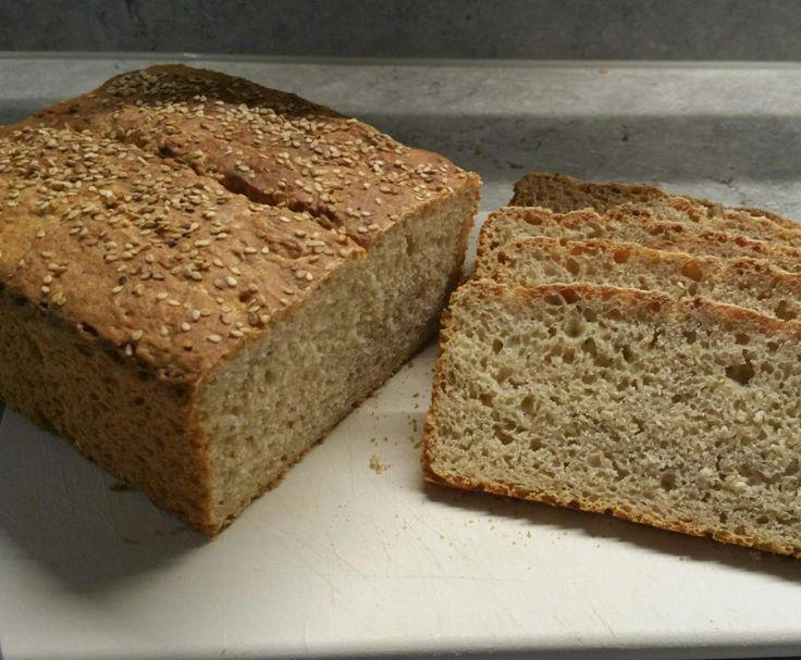 Rezept Sesam-Buttermilch-Brot von BeaLach - Rezept der Kategorie Brot & Brötchen