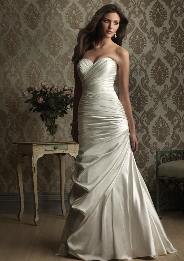 Allure 8861 Wedding Dress  #weddingdress #allure