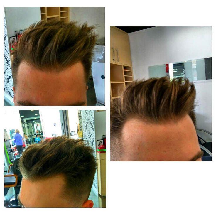 Terminando la semana a full  mañana agenda completa.  Buenos pelos y buen finde Imagen de tupé despeinado y texturizado  cambiando la onda!  #textura #pamplona #barberia #peluqueria #barberosdelmundo #barberosdeespaña by tximak_barbershop