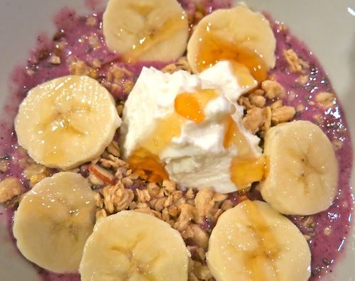 bowl of the day: blend: coconut milk, frozen banana, strawberries ...