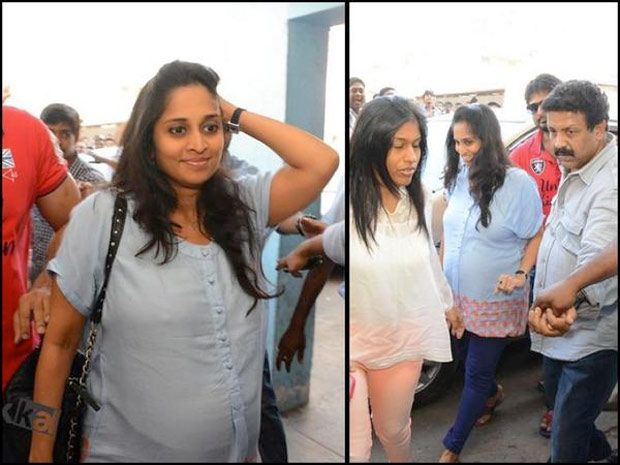 ajith wife shalini pregnant again - The other day star hero Ajith's wife, former heroine Shalini, has stunned one and all at Albert theatre in Chennai. She stepped into the theatre in the sho