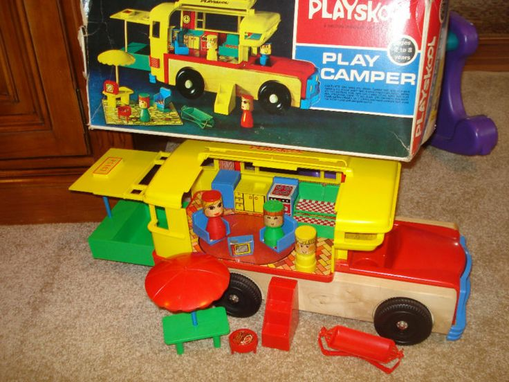 The toy box 1971 - 1 7