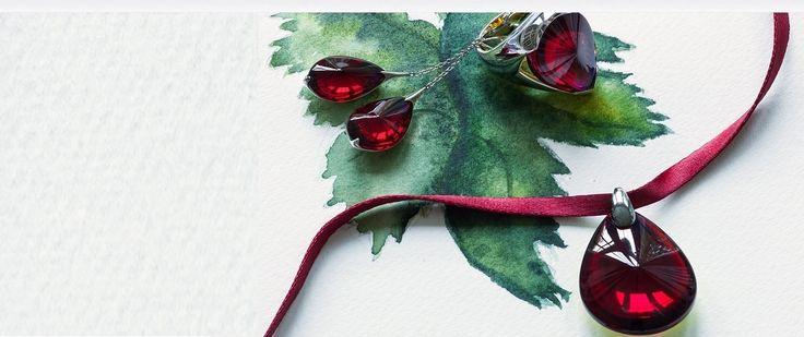 Préparez vos cadeaux de noël  - www.vessiere-cristaux.fr/categorie-produit/baccarat/bijoux-baccarat/  #Baccarat #jewels #crystal #red #noël