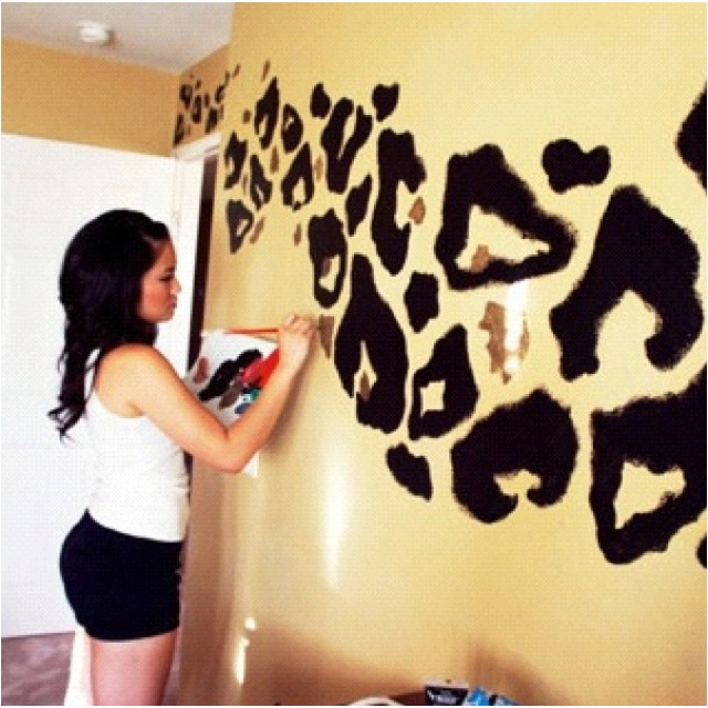 Cheetah room. I love this, doubt jd will let me do this though lol