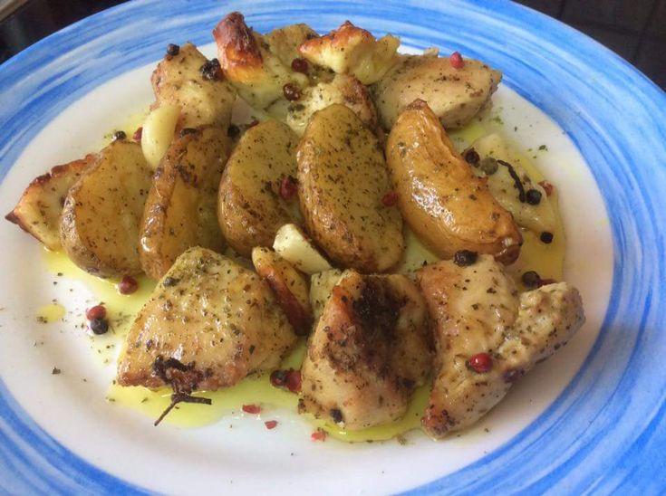 Φιλέτο κοτόπουλο στη λαδόκολλα με πατάτες (4 μονάδες)