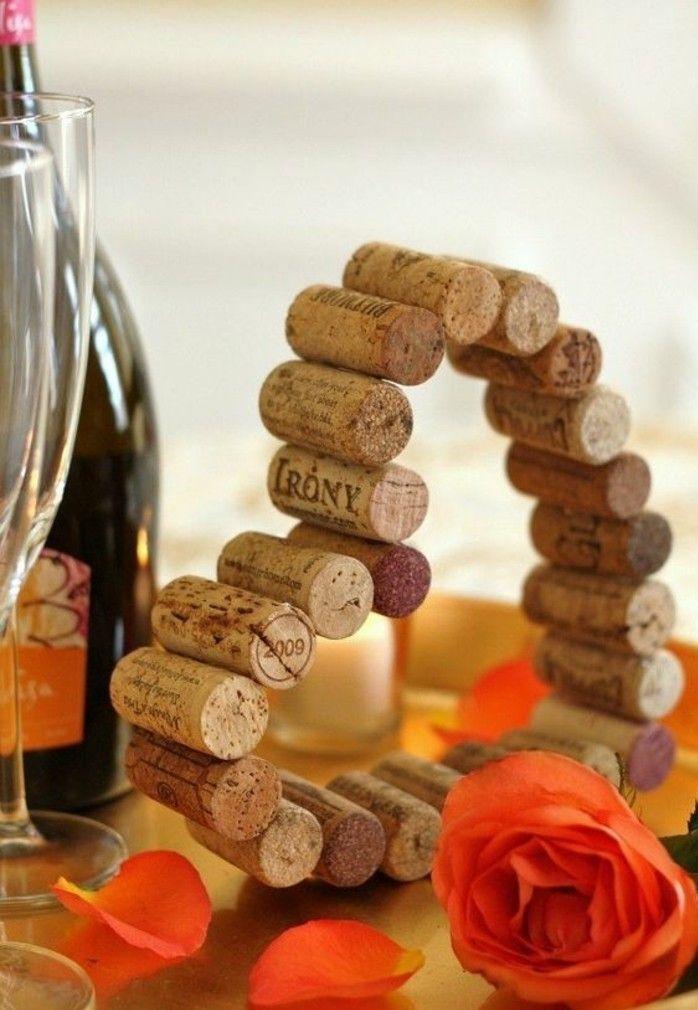 une décoration de table très romantique, le bouchon de liège s'invite à notre fête de mariage