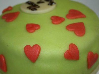 Groen met rode hartjes