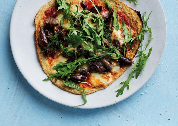 Cauliflower pizza with Greek lamb