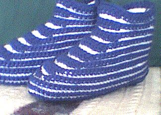 High Top Striped Slippers - New Version.. Free pattern!