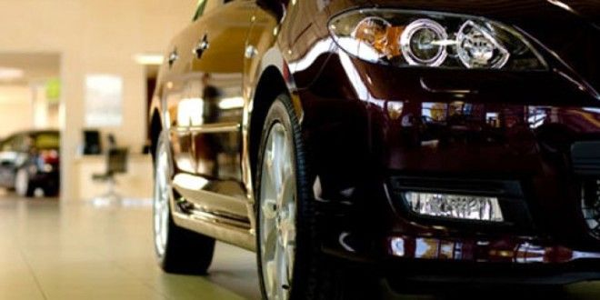 Suben a 50% el impuesto para compra de autos de alta gama