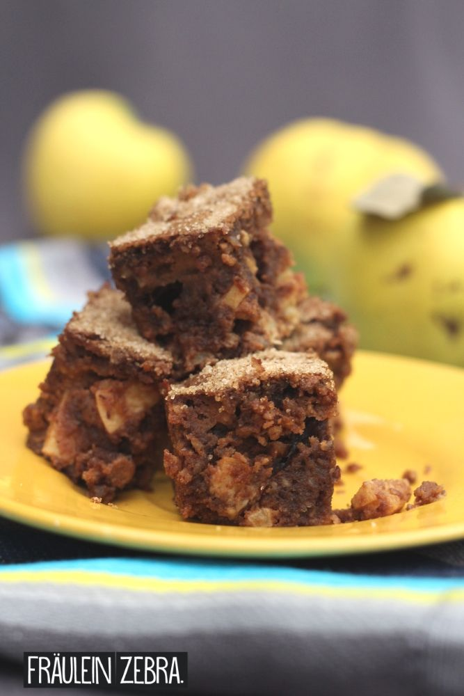 Nuss-Brownies mit Quitten | Brownies with Nuts and Quince