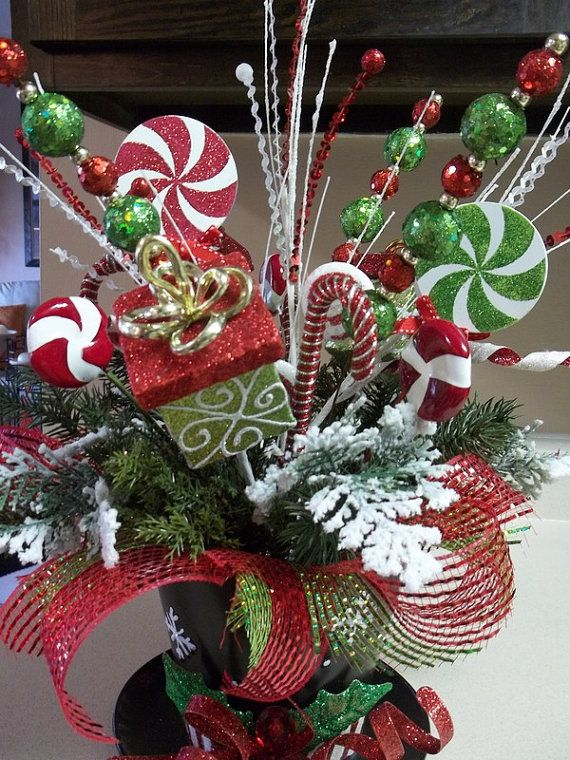 TOP HAT - Festive Holiday Tabletop Arrangement - Christmas Centerpiece