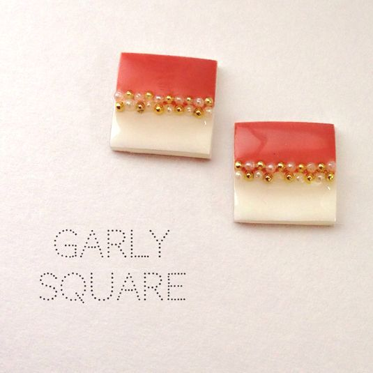 GIRLY SQUARE