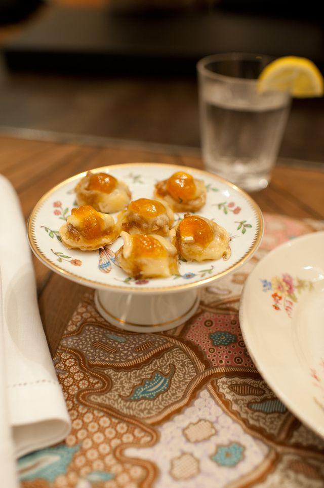 Hojaldritos de queso y mermelada de manzana