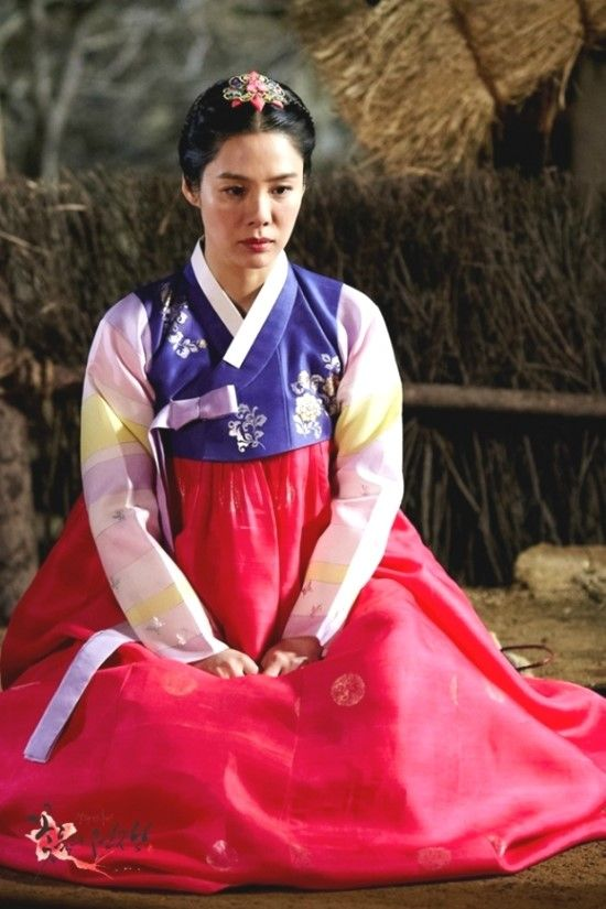 Cruel Palace - War of Flowers (Hangul: 궁중잔혹사 – 꽃들의 전쟁;RR: Gungjungjanhoksa - Ggotdeul-ui Jeonjaeng) is a 2013 South Korean historical television series starring Kim Hyun-joo,[1] Lee Deok-hwa, Song Seon-mi, Jung Sung-mo, Jung Sung-woon, Kim Joo-young, Go Won-hee, and Jun Tae-soo. It aired on jTBC . The period drama centers around royal concubine Lady Jo as she tries to gain the attention of King Injo with her beauty and wit. When she succeeds, there is a bloody battle over the power she…