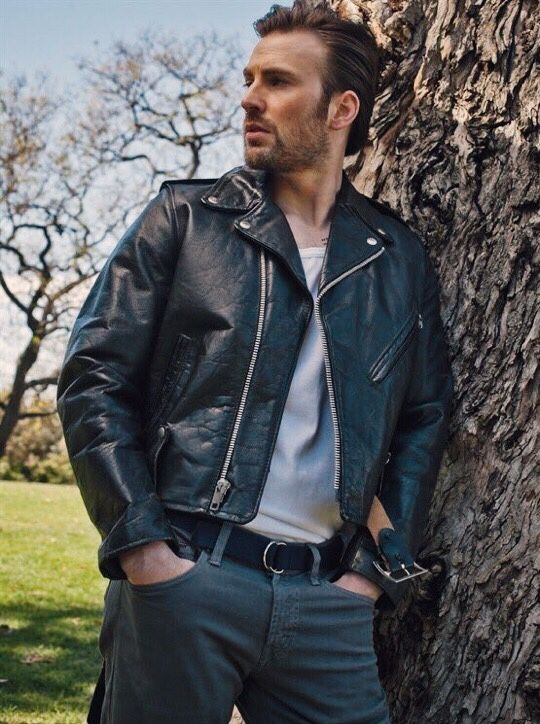 L'Uomo Vogue (April 2017)