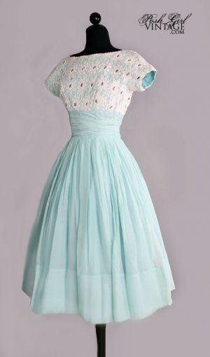 Lovely vintage garden party dress!