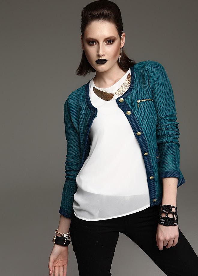 KAKAO Altın düğmeli tüvit ceket Markafoni'de 90,00 TL yerine 42,99 TL! Satın almak için: http://www.markafoni.com/product/2941926/