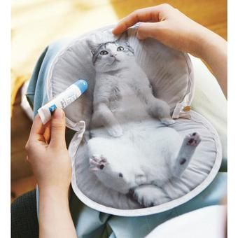 Created together with Udama san. Adorable Cat Belly Pouch | FELISSIMO
