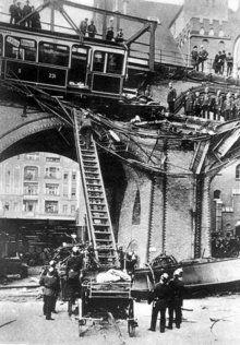 Berliner Feuerwehr - 1908: Hochbahnunglück am Gleisdreieck