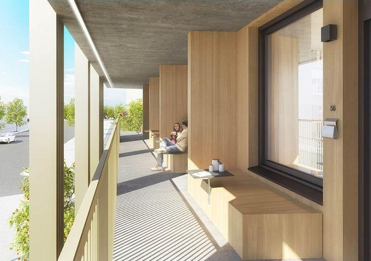 Södervänd entrébalkong med sittbänk och bord finns till varje genomgående lägenhet.