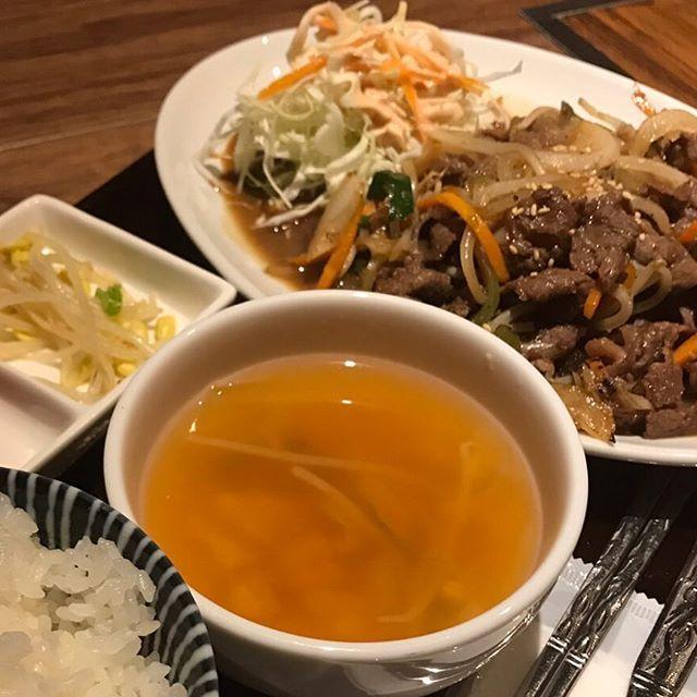 こんにちは! 鋳物焼肉3136です(o^^o) . . 今日のランチに、韓国料理はいかがですか? . . ご飯が進む味付けの『牛プルコギ』セットが、オススメです(o^^o) . . #六本木 #完全個室 #鋳物焼肉 #焼肉 #表参道 #姉妹店 #韓国料理 #個室ランチ #肉フェス #同伴 #個室焼肉 #隠れ家 #マッコリ #大江戸線 #yakiniku #韓国 #ハラミ #肉  #ユッケジャンスープ #石焼ビビンパ #サーロイン #イチボ #カルビ #ロース