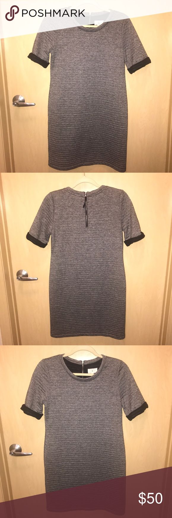 LOFT Lou and Grey dress - small LOFT brand Lou & Grey sweater dress with short sleeves in a size small. This dress is really comfortable and can be worn in all seasons with its versatility! Has only been worn a few times. Lou & Grey Dresses Midi