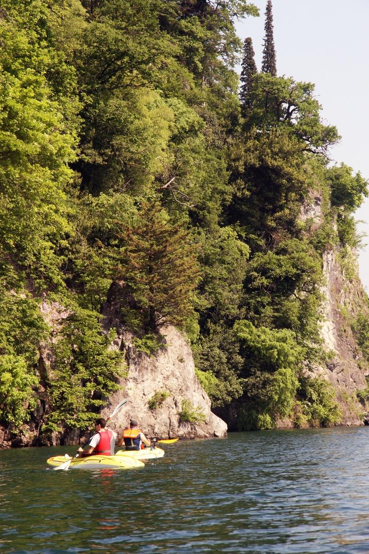 Under Pescallo cliffs