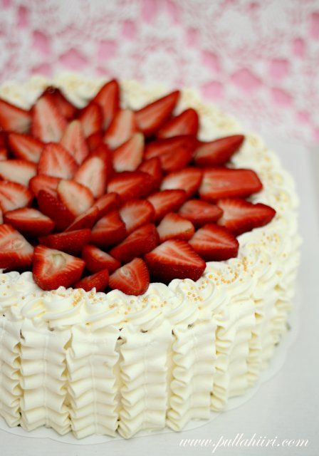 traditional Finnish strawberry whipped cream cake