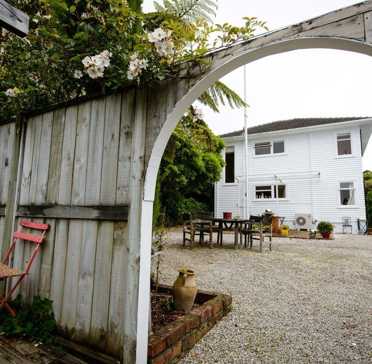 Artistic haven » FishHead garden design by Jane Hyder.