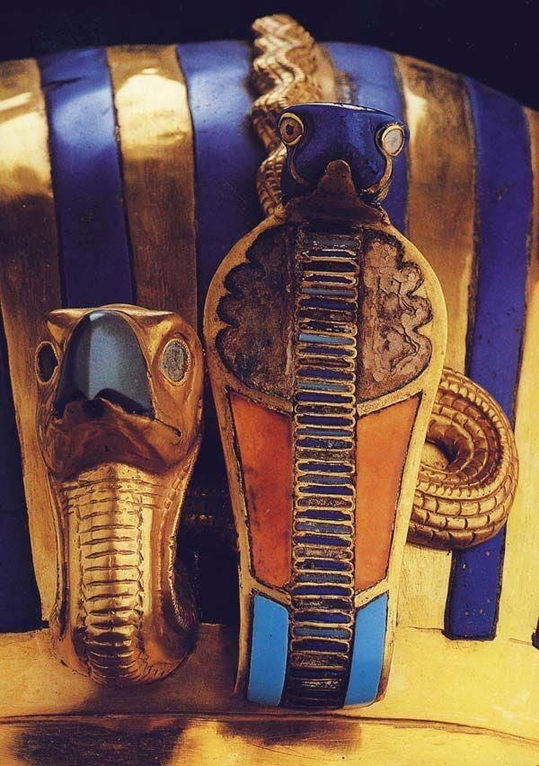 Ancient Egyptian Cobra | Detail in Tut's mummy mask with cobra and vulcher | Ancient Egypt