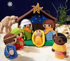 Har du lyst til å hekle en skjønn julekrybbe i Amigurumi til jul? Her får du oppskriften!