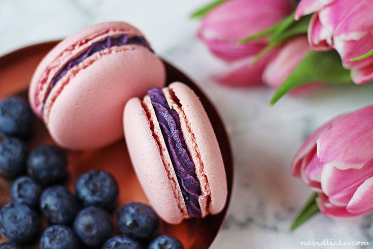 Blueberry macarons / Borůvkové makronky | Na vidličku food blog