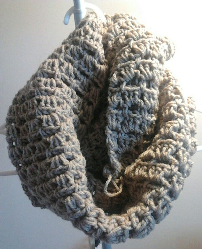 Shell pattern infinity scarf