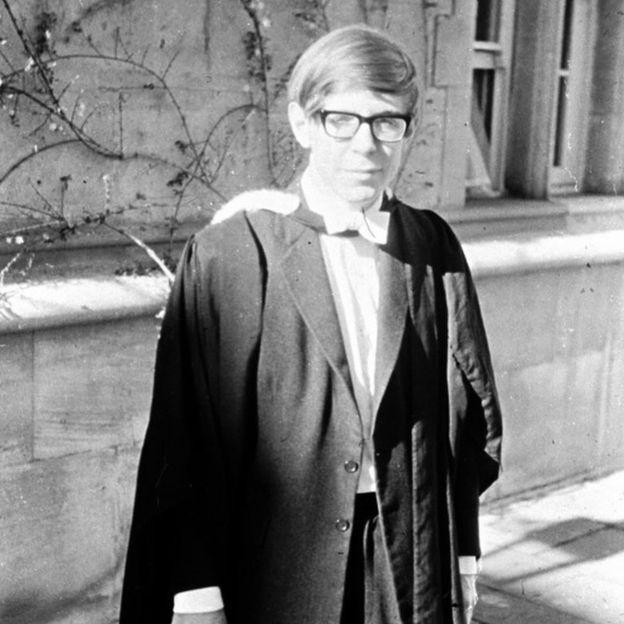 Stephen Hawking Steckbrief Bilder Und News Web De