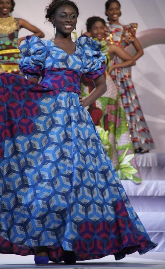 Vlisco evening gowns made with fabrics from the 'Delicate Shades' collection - http://nigeria.mycityportal.net