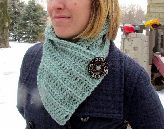 Handmade 100% Wool Cowl by HookedByAmy on Etsy