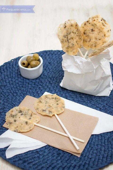 aperitivos diferentes: piruletas de queso