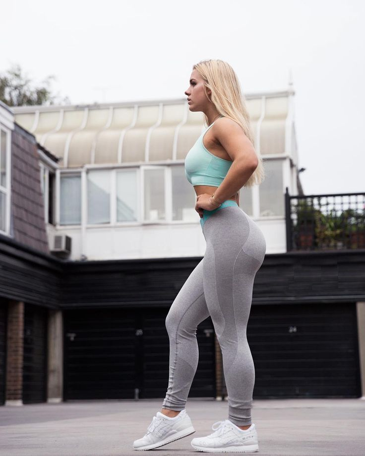 Happy Mint Crush Monday from Grace. Wearing Flex leggings and Seamless Sports Bra in Mint - Fitness Women's active - http://amzn.to/2i5XvJV