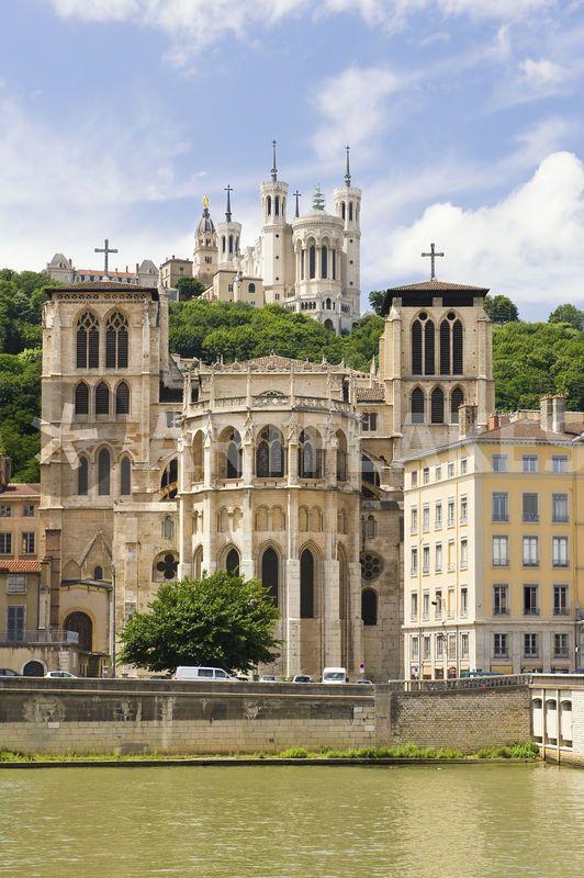 Cathédrale Saint-Jean et Basilique Notre-Dame de Fourvière, Lyon - France.