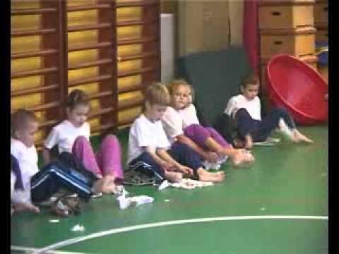 Szekszárdi ovisok lábtornája - YouTube